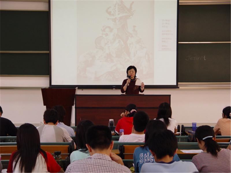 北京航空航天大学在职研究生知名教授课堂图集